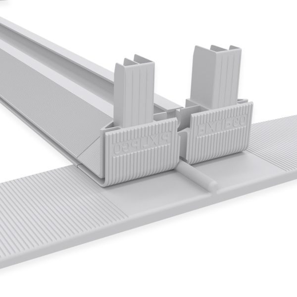 Geringes Gewicht, werkzeuglose Montage und leichter Motivwechsel machen das System einfach in Transport und Anwendung. Bild: MK Displays