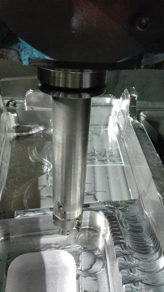 Hocheffiziente Aluminiumbearbeitung mit dem Fräser des Typs »AXD4000« von Mitsubishi Materials. Bild: Mitsubishi Materials