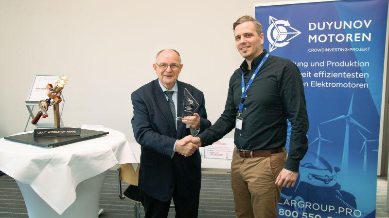 Der »Crazy Automation Award« wurde für einen neuartigen Wicklungsaufbau an Umwelt-Technik-Marketing verliehen. Bild: RBS