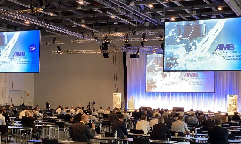 Das AMB Technologieforum bot Besuchern und Ausstellern eine erste Plattform, um sich wieder zu treffen. (Bild: Messe Stuttgart).