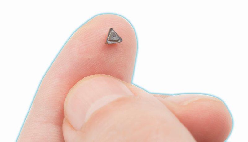 Die einseitigen dreischneidigen Mini-Wendeschneidplatten ermöglichen hohe Oberflächengüten (Bild: Iscar).