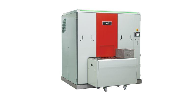 Die Reinigungsanlage arbeitet mit modernen Reinigungsmedien und ermöglicht den Einstieg in die automatisierte Teilereinigung (Bild: Pero).