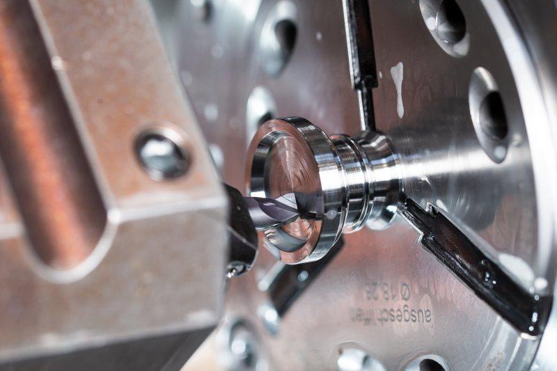 Plandrehen des Axialeinstiches mit dem »Supermini 105« (Bild: Horn/Sauermann).