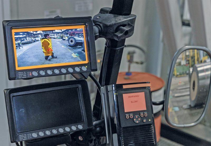 Das 3D-Kollisionswarnsystem für mobile Arbeitsmaschinen hilft dabei, Unfälle zu verhindern (Bild: ifm).